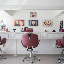 How to Finance Salon Equipment